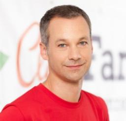 Dennis Krämker - Geschäftsführer